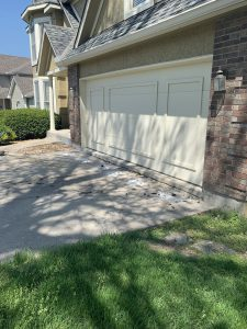 Lenexa, KS home sunken driveway picture before mudjacking