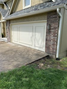 After picture of driveway in Olathe, KS leveled from mudjacking performed by Accountable Mudjacking